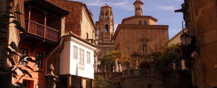 le musée Poble Espanyol et l'Eglise où est situé l'atelier Luesmavega