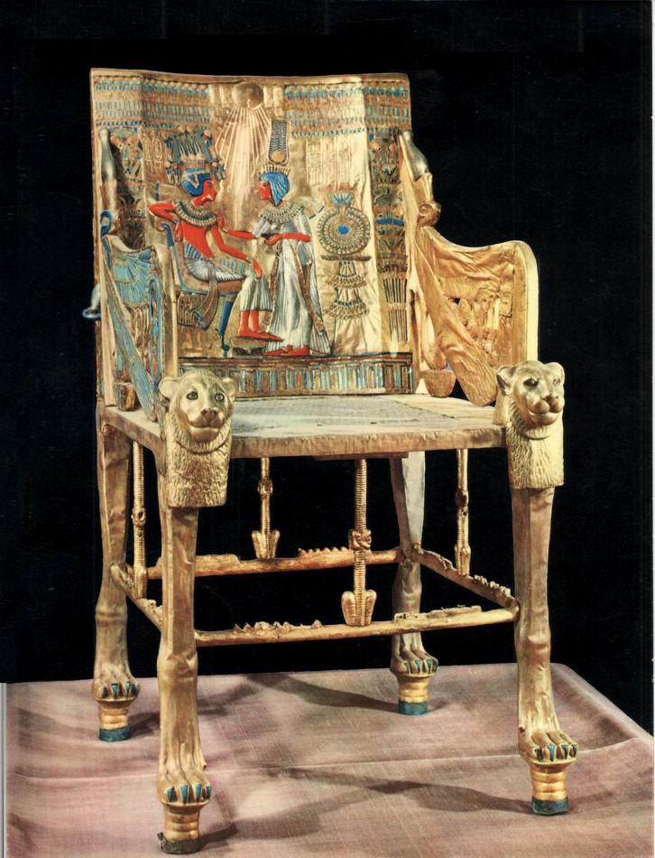 Trône de Toutankhamon Vers 1345 -vers 1327 av. JC. Bois, recouvert de feuille d'or et d'argent - Incrustations de pâte de verre, faïence et de pierres précieuses. 54 x 102 x 60 cm. Musée égyptien du Caire
