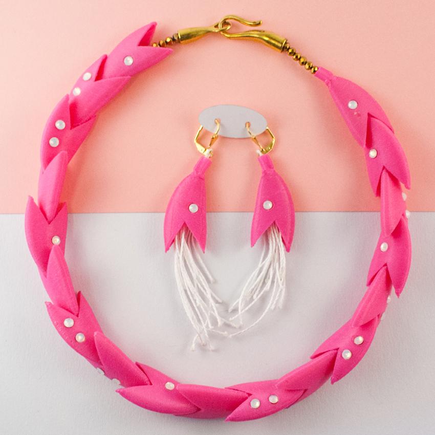 Laura Parisot collier Boucles d'oreilles et broches MLH