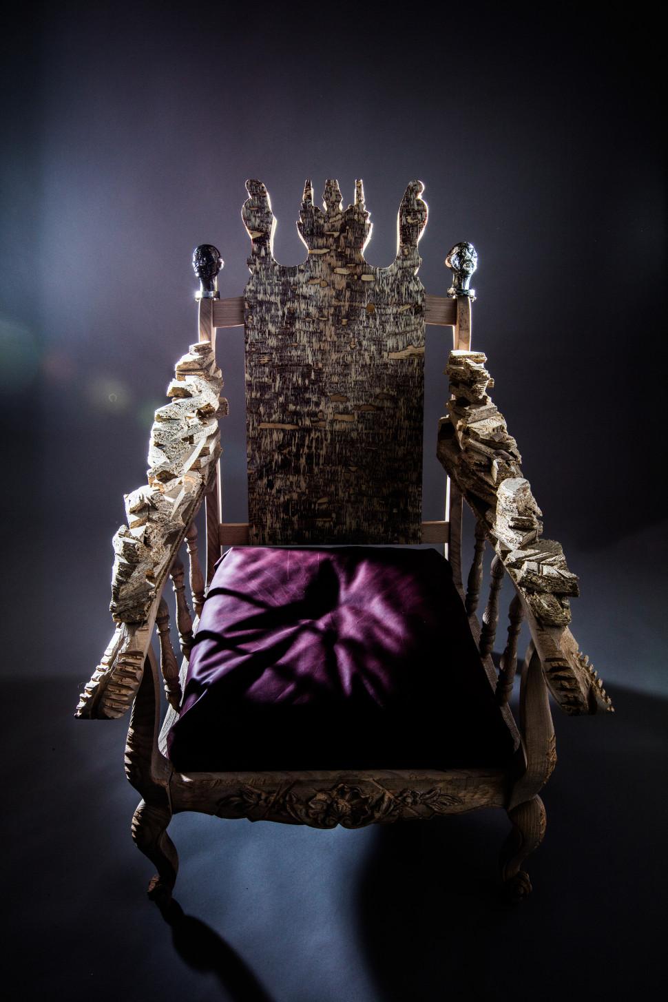 raphaellemathis-trone1