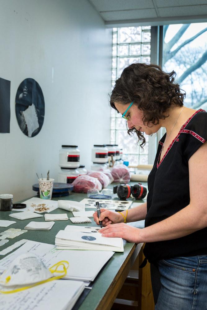 A l'atelier - Crédit photo : Gary L. Hodges pour le Corning Museum of Glass